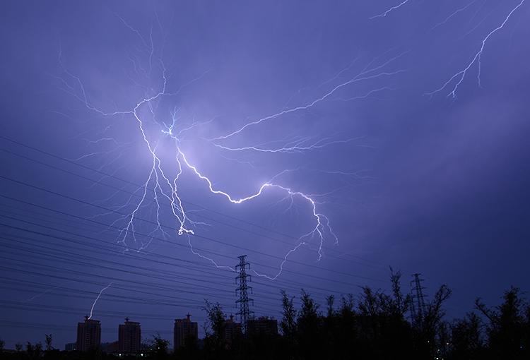 如何拍摄闪电,闪电拍摄技巧 要领